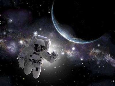 科普!首次全女性太空行走为何因一件宇航服取消?