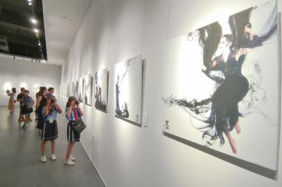 不一样的人物摄影展,拉开东莞青年艺术家圆梦行动帷幕