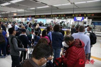 """""""广交会""""来袭,深圳湾边检站增开外国人通道"""