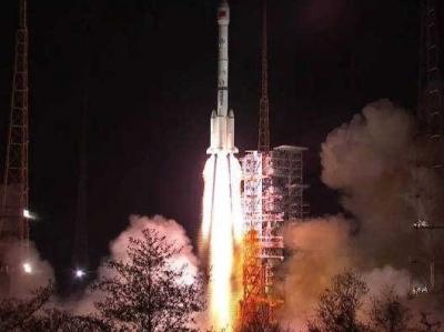 """中国成功发射第二代数据中继卫星首星""""天链二号01星"""""""