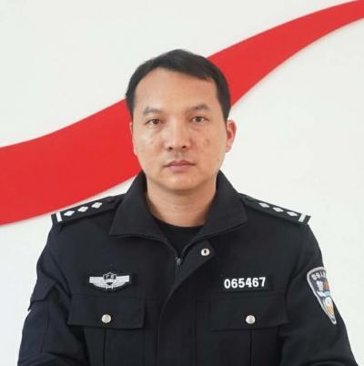 每日警星 | 黄家龙:细致负责的消防民警