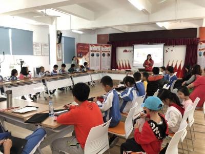 龙新社区举办党员引领青少年爱国主义教育活动