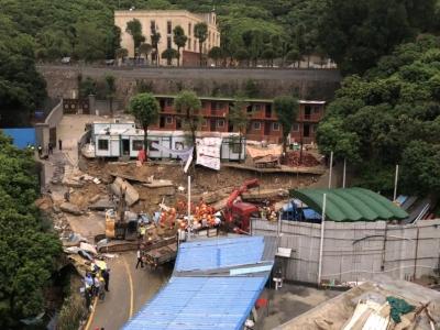 深圳一工业区发生坍塌铁皮房被掩埋,被困两人均不幸遇难