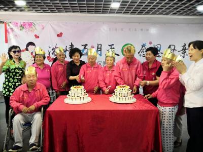 福星车大集结!300名长者和残疾朋友共赴一场母亲节之约