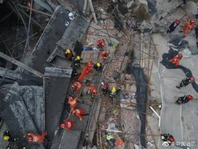上海一处改造建筑坍塌:17人获救,应急管理部派出工作组