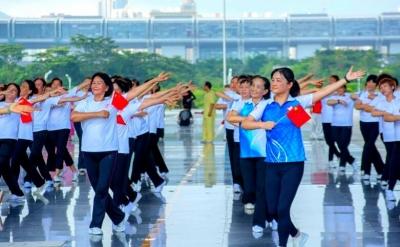 舞动中国,舞出中国梦!福田举办大型广场舞公益活动