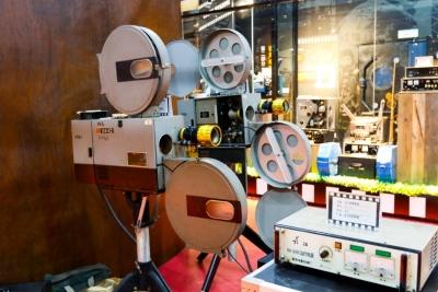 """""""回首光影""""重温露天电影,展出300多件经典电影老物件"""