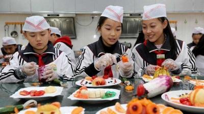 廣州:中小學勞動課每周不少于1課時,初中生要會煲湯
