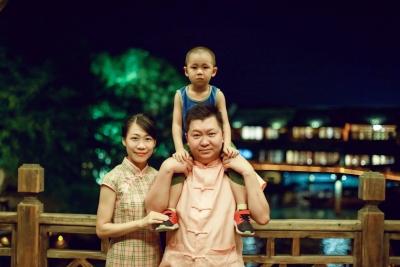 胡斌 肖巧璇家庭   比翼齐飞:双警夫妻追求同样的梦想
