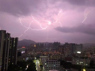 772次雷電!未來幾天都是雨雨雨!福田這些地方還要停水停電......