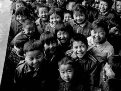 """邀您尋找深圳人最美笑臉!2019年首屆""""慈善杯""""全國公益攝影大展啟動"""