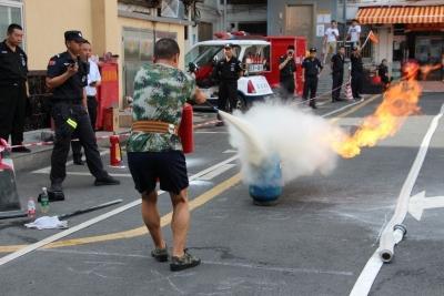 海富社区举行专兼职消防员技能大比武,比比谁更行!