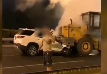 发生事故后先救人还是先报警?北京一司机的这个举动引发众怒!