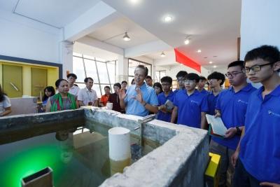 东莞理工学院学生走进企业,聆听首席技师分享经验