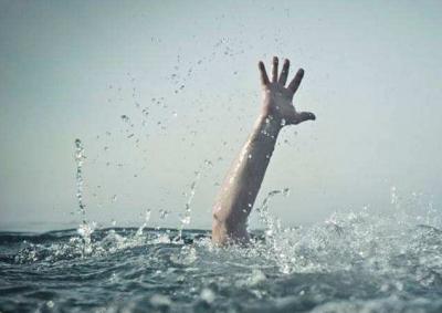 悲剧!深圳一小伙自称在江边长大,深夜下海游泳却…