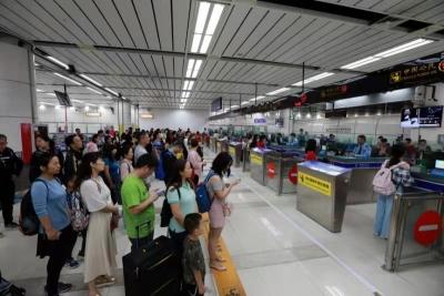 日均13万余人次!深圳湾口岸上半年迎客逾2300万人次