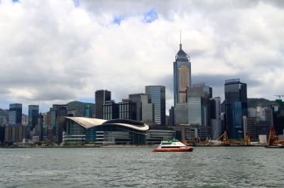 林郑月娥:香港经济恢复元气需先停止暴力