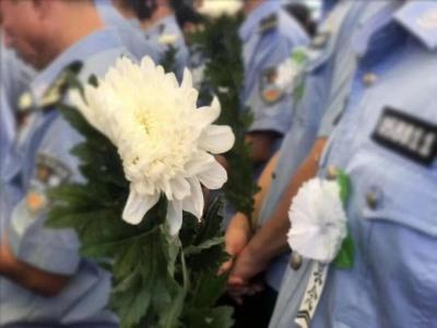 英雄,一路走好!深圳好交警刘海峰因公殉职,生命定格在47岁