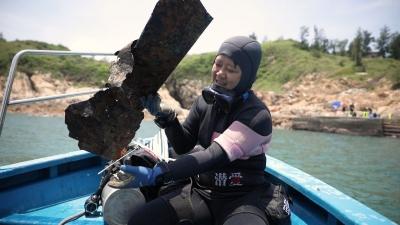 专家发现深圳海域和海鲜都有微塑料!这群潜水员跑去海底捡垃圾….