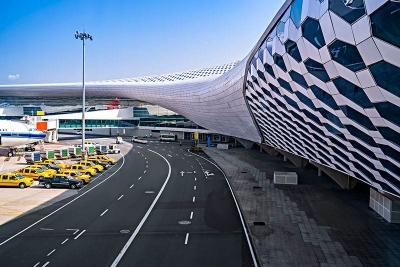 国庆单日客流最高将超15万人次 机场建议旅客选乘公共交通工具