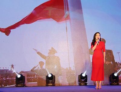 龙岗查违系统开展礼赞新中国主题活动