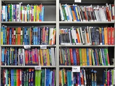 我国公共图书馆的藏量稳步增长,但人均图书藏量仍偏低