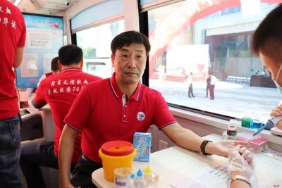"""江西商会举办""""庆祝新中国成立70周年无偿献血""""活动"""