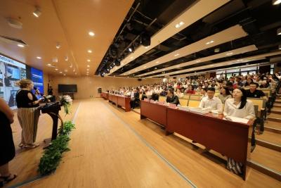 寶安舉辦中英校長論壇 縱論傳統教育與現代信息教育融合