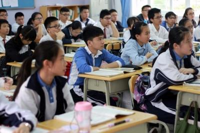 骆文智到深圳中学调研时寄望 在推进教育高质量发展上当好先行示范