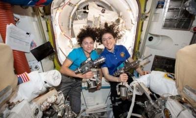 NASA称实现人类首次全女性宇航员太空行走