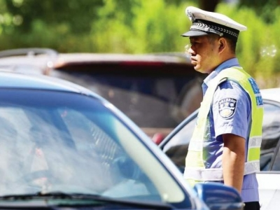 """開車違規后想""""買分""""?深圳新交規:涉嫌買賣分的雙方都要被罰!"""