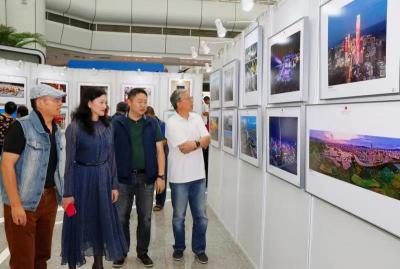 """""""我爱祖国·光影传情"""":庆祝新中国成立70周年南山摄影展顺利开展"""