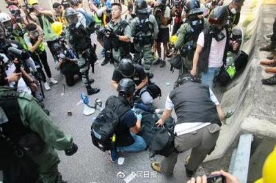 定罪!香港16岁中学生哭了