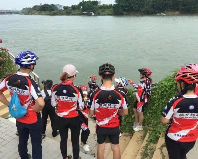 """""""民间河长""""引领志愿者一年巡河近百次,合力守护韩江母亲河"""