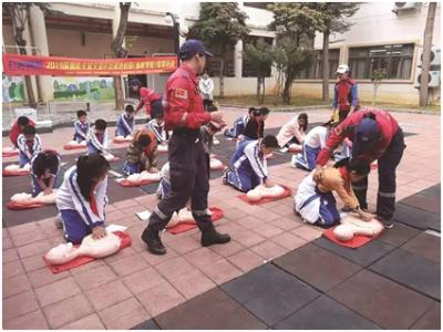 應急救援演練進校園!龍崗區推廣普及學生急救知識