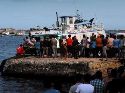一艘移民船在毛里塔尼亚附近海域倾覆 至少58人死亡