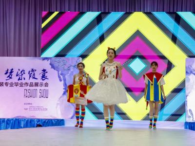展示學生個性,寶安職校舉行服裝、動漫專業畢業作品展