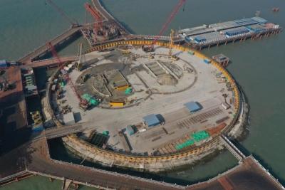 國內首次海中施工!深中通道伶仃洋大橋東錨碇地連墻完工