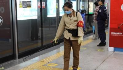 深圳地铁全网启动疫情防控工作进行中!对乘客体温监测,列车每天将至少消毒两次