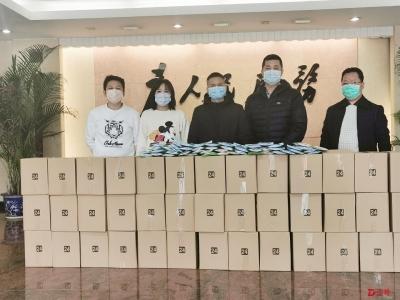 千辛万苦收集齐1万个口罩,她捐给了东莞桥头抗疫一线