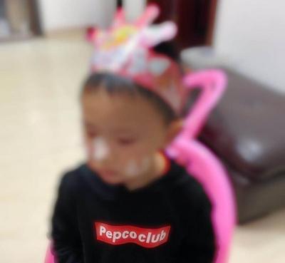 """抗击疫情,深圳家庭的""""两地分居""""""""三地分居"""""""