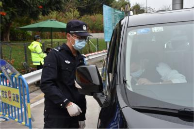 上川派出所民警钟达昌:把关好每一辆过路车和人员的核查