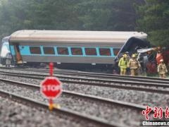 澳大利亚发生火车脱轨事故