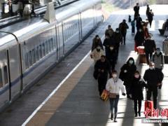 官方:40天春运发送旅客14.76亿人次 同比下降50.3%