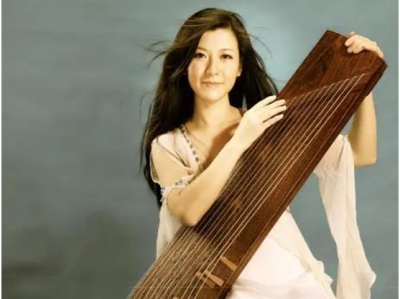 """带你重温经典片段 深圳音乐厅开通在线音乐栏目""""乐艺谈"""""""