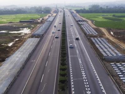 邵俊杰代表:建议调整高速公路免费政策,鼓励错峰出行