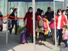 香港拟让2500名跨境学童先复课,将安排专用口岸