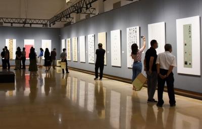 5月,去深圳美术馆看百余幅书法、篆刻作品讲述特区故事
