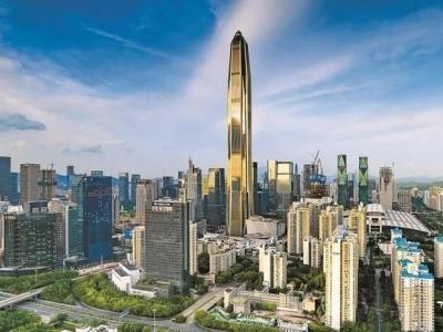 """深圳以城之名为青春在线""""加冕"""""""