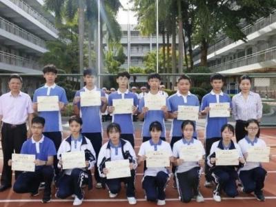 龍崗職校25名學生被評為區優秀學生和模范少年